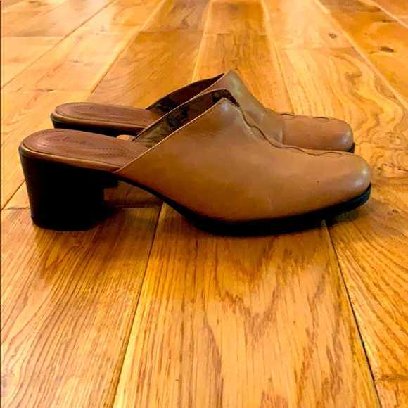 Clark's tan soft leather heeled mules. Size 8